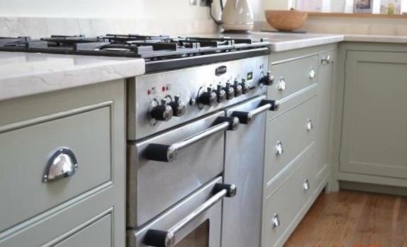 castle-kitchen-3
